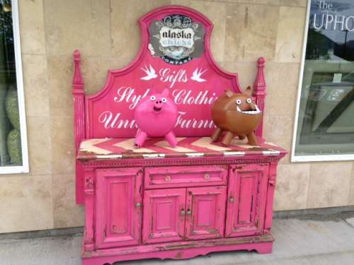 Very girly revamped buffet for all of the pink loving Farmgirls out there.