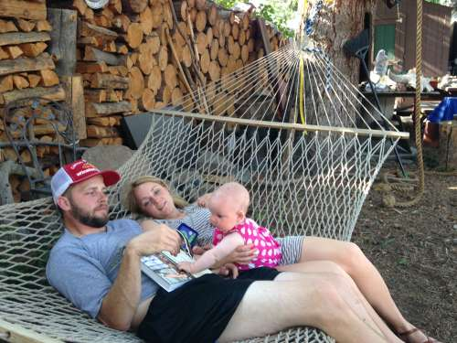 Aunt and uncle in a hammock? YES PLEASE!