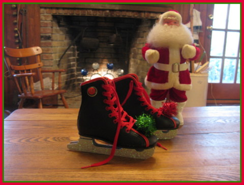 And Andrea's beautiful skates. I love the stacked buttons and Christmas pompoms.