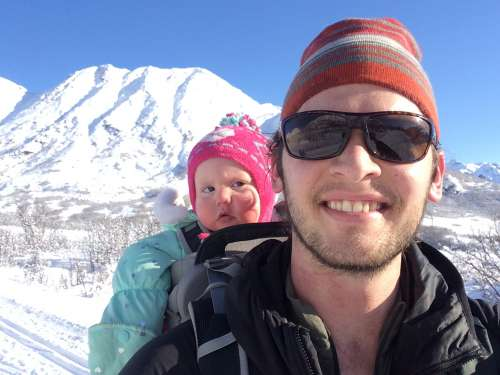Evan, the stand up guy, finding snow with Ava at ~3000 feet.