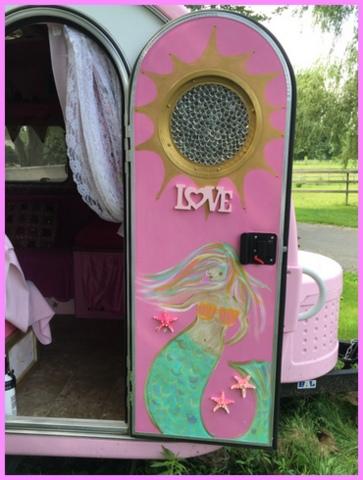 Alison's daughter free-hand painted the inside door.
