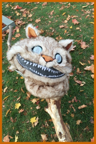 Don't ya just adore the face on this Cheshire cat?