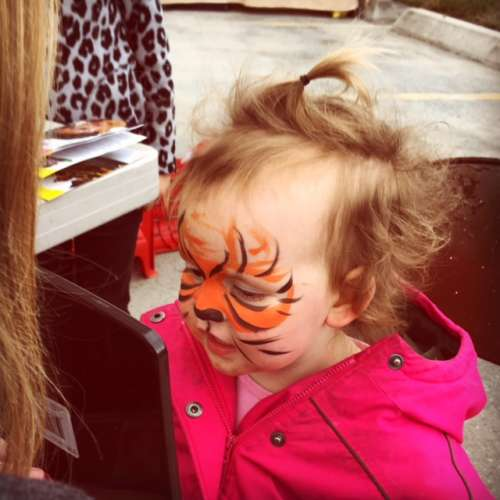 "Facepainting at a local event.  ""I tiger, mommy!"""