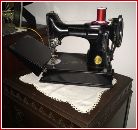 1938 Scroll Plate Featherweight