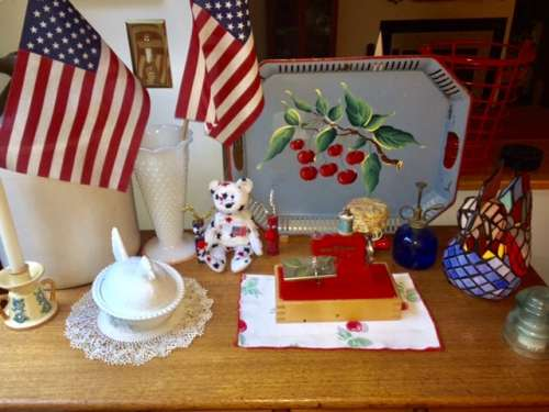 Some red white and blue, inside, for summer. The little VSM was from my dh for Mother's Day.