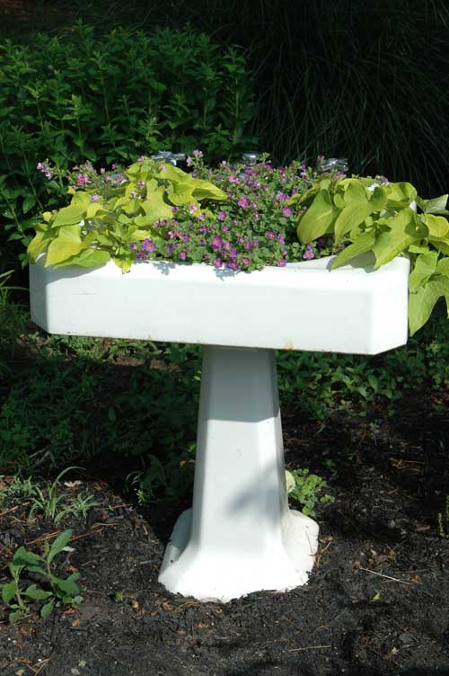 Garden Dreams, Garden Resolutions, and a Sink Garden | Farmgirl ...